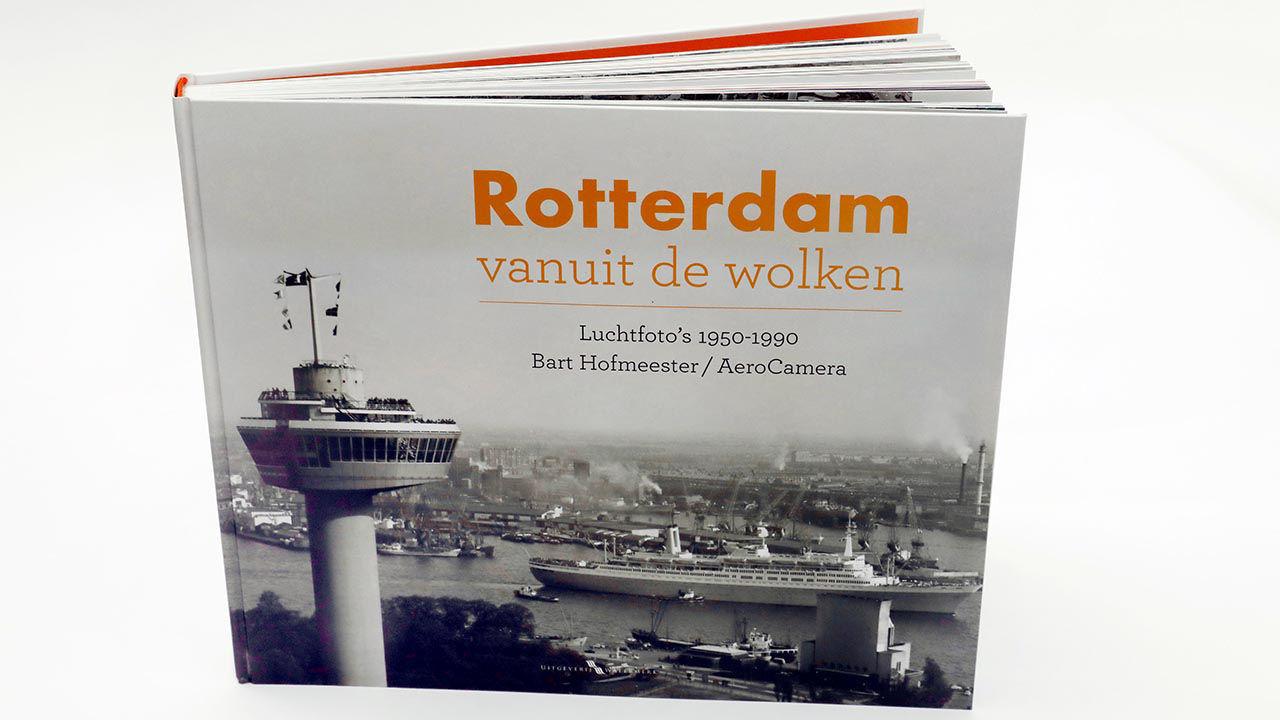 Product afbeelding: Rotterdam vanuit de wolken